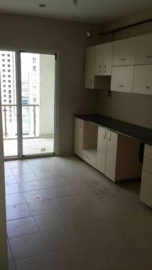 Продаётся отличная квартира,в хорошем районе, не далеко от метробуса. Квартира находится на территории сите,где есть всё необходимое для жилья ( закрытый отопарк, открытый бассейн, детская площадка, большая прогулочная территория, круглосуточная охрана)