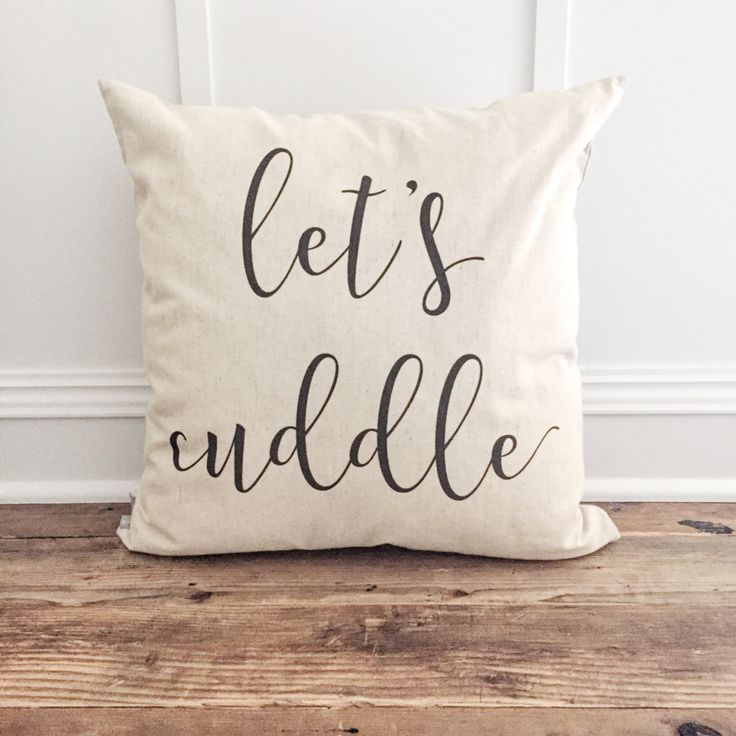 Cozy up your living space with handmade linen pillow covers from So Vintage Chic! // sovintagechic.com