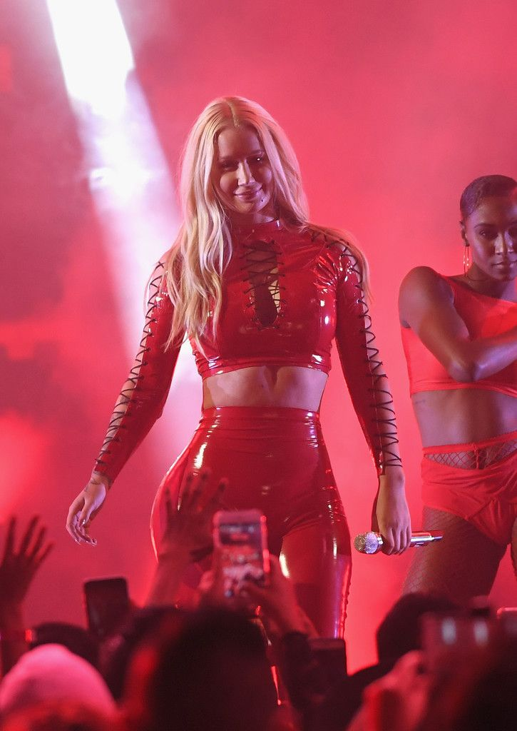 Iggy Azalea Photos Photos - Univision's 'Premios Juventud' 2017 Celebrates the Hottest Musical Artists and Young Latinos Change-Makers - Show - Zimbio
