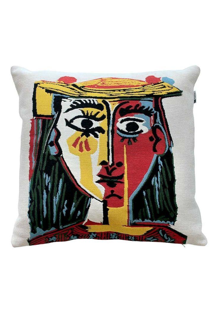 Com estampas contemporâneas e arrojadas, a Almofada Picasso é confeccionada em algodão e poliester. Ela reproduz as obras do grande artista Espanhol, mantendo a tradicionalidade e a qualidade que deixaram esta tapeçaria famosa em todos esses anos. A By K
