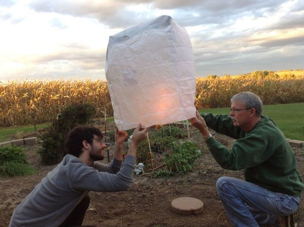 How to make your own fire balloon