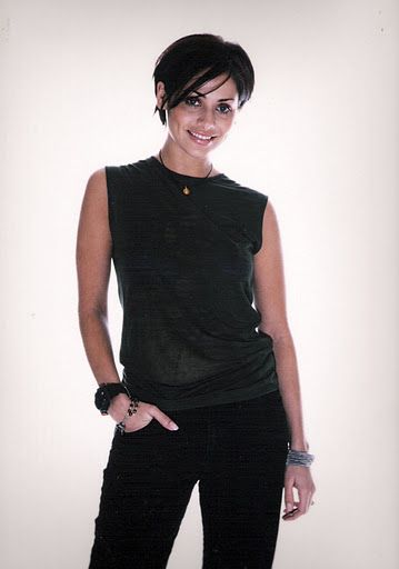 Natalie Imbruglia won the award for Best New Artist In A Video for her song Torn at the VMA's 1998.