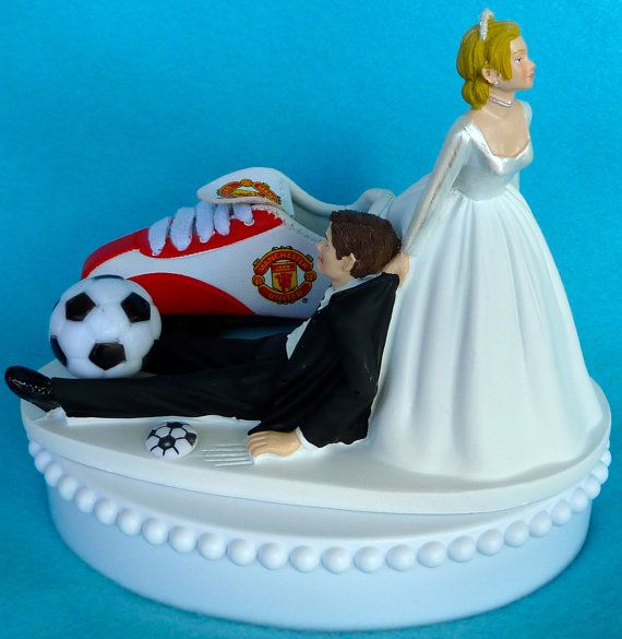 manchester united wedding cake 1000 ideas about manchester united cake on 17096