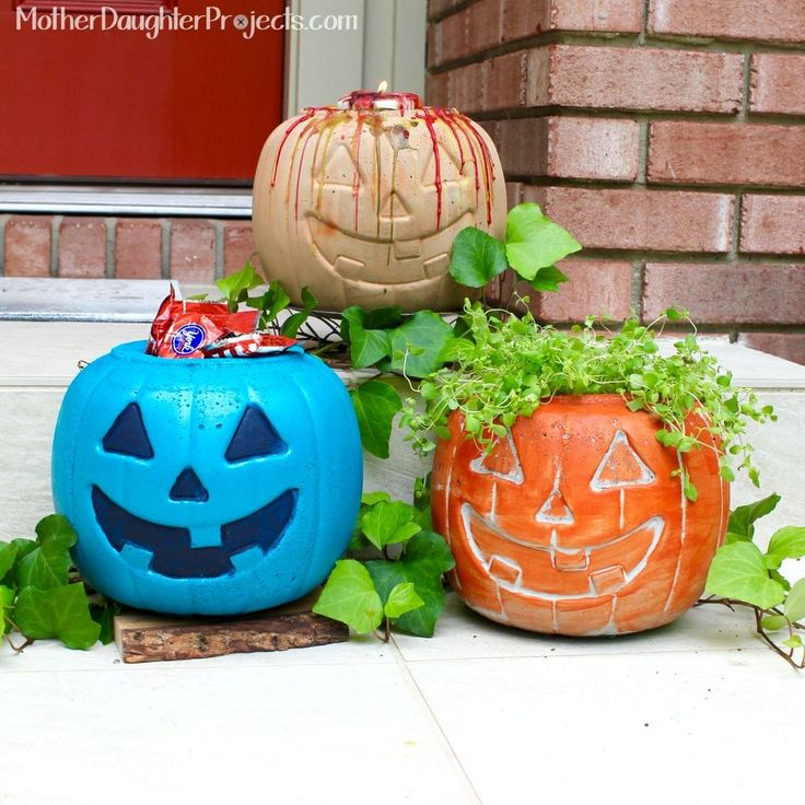 Having just discovered how fun and easy it is to work with concrete, Steph thought a plastic pumpkin would make a great concrete mold.The advantage for those of…