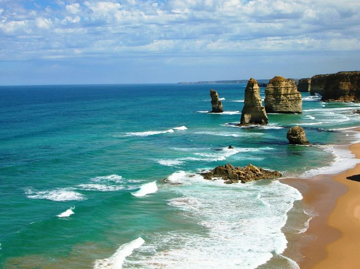 Escape for a moment with our gallery of one of the world's most spectacular drives – Australia's Great Ocean Road http://www.thechictravelclub.com/eye-candy-great-ocean-road-australia/ Be sure to join us at www.facebook.com/thechictravelclub