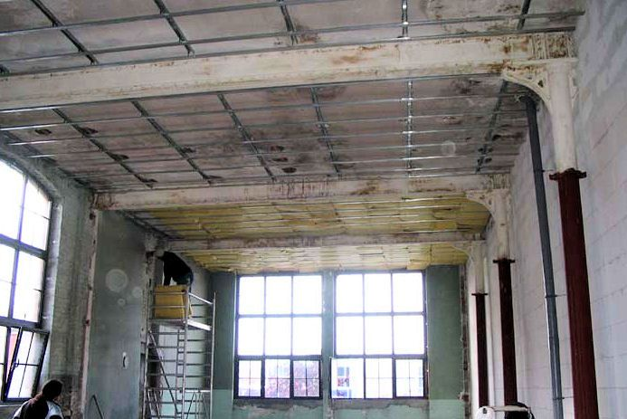 Elise a transformé une ancienne usine de laine en chaleureux loft industriel.