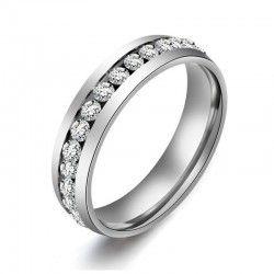 Anillo de acero en color plata con cristales brillantes. #steeljewellery. Sparkles for Christmas