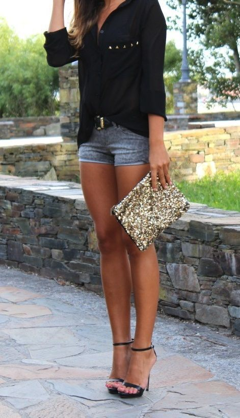 I love my wife; I love this outfit. High heels and shorts by definition create a long-legged look, on anyone. Should make a happy husband, if worn with a smile. #hothighheelsgirls