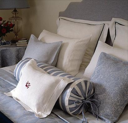 Pillow talk & 83 best Pillow Talk images on Pinterest | Pillow talk Cushions ... pillowsntoast.com