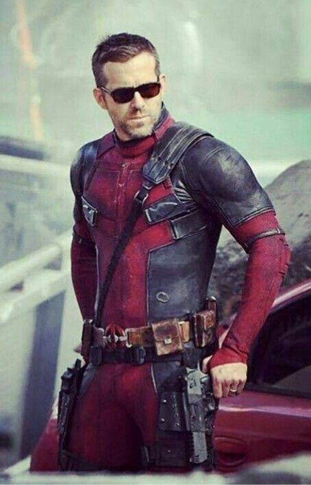 Ryan Reynolds is looking totally badass in brand new BTS pics of the highly anticipated sequel of Deadpool.