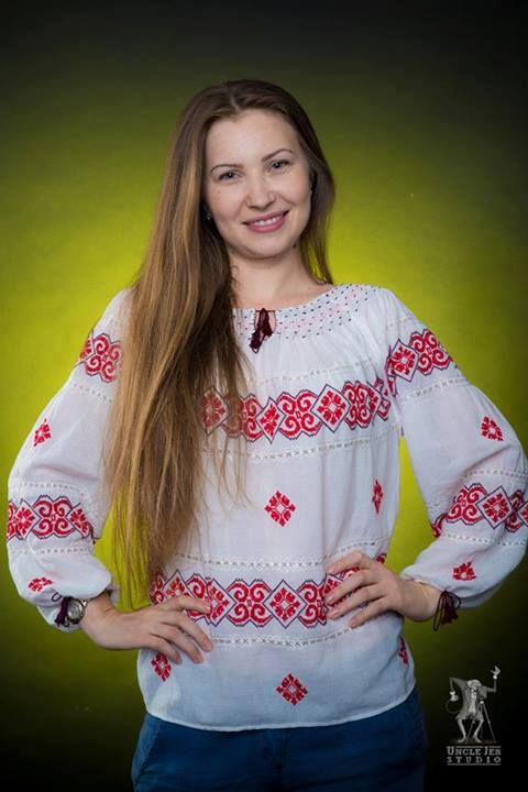 The traditional Romanian Label blouse fits Mirela just right! Photo: Uncle Jeb Studio