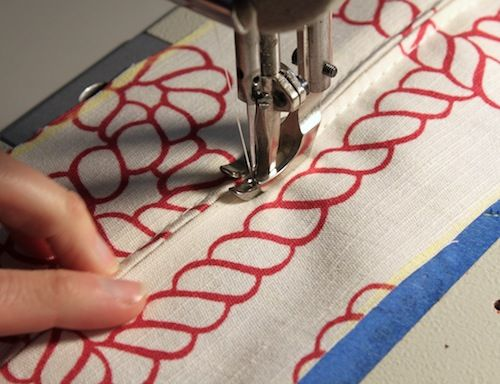 upholstery sewing - a boxed cushion with piping and zipper