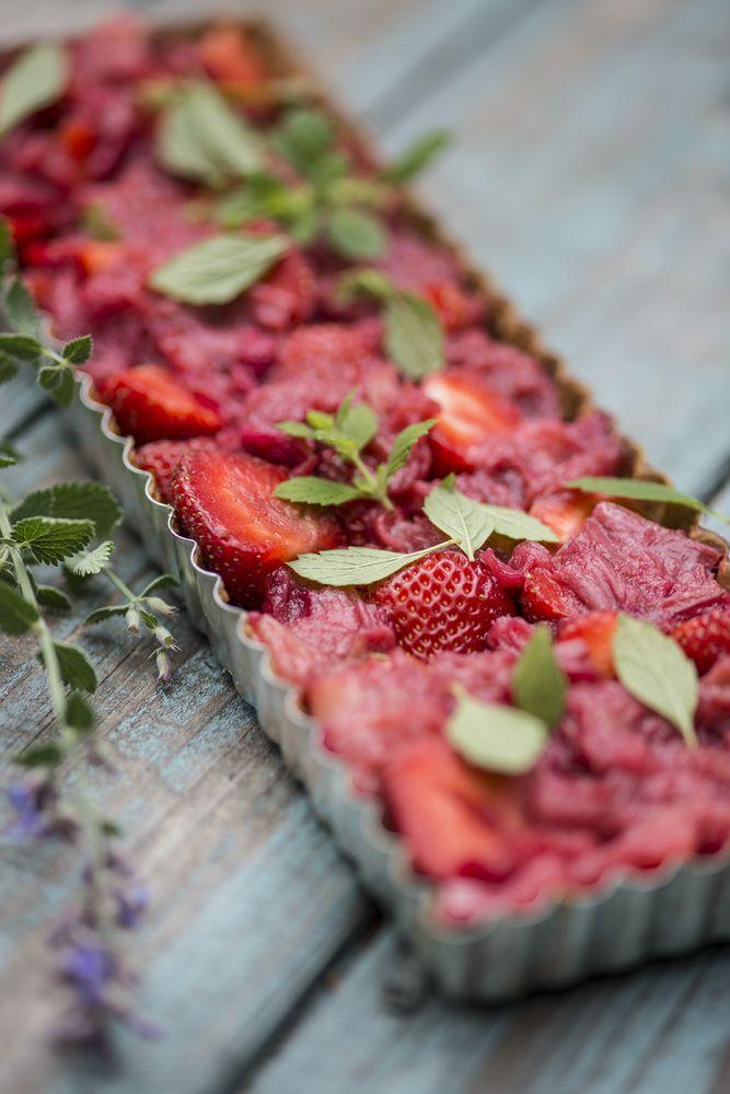 Sweet Paul - Strawberry Rhubarb Pie : Nordic Summer Cooking