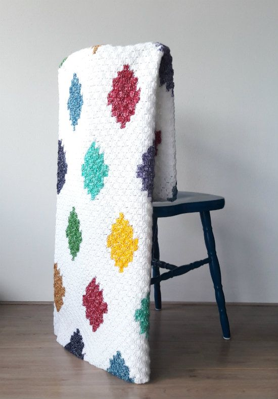 C2C harlequin blanket, free crochet pattern   Happy in Red