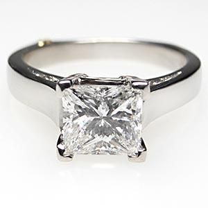 1 1/2 CARAT PRINCESS CUT DIAMOND ENGAGEMENT RING W/ACCENTS SOLID PLATINUM