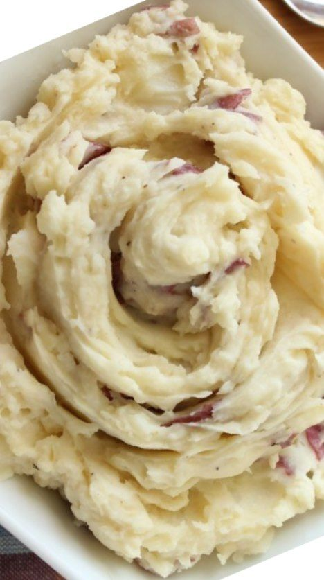 :) Restaurant-Style Garlic Mashed Potatoes Recipe