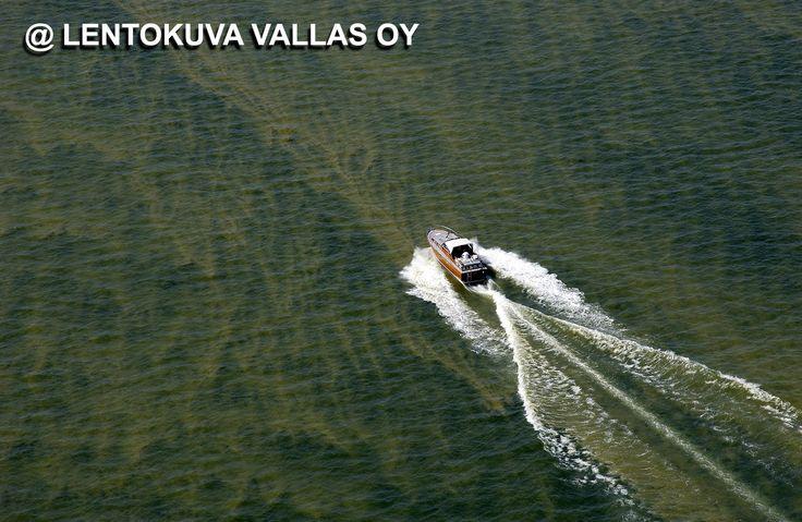 Sinilevää merellä Ilmakuva: Lentokuva Vallas Oy