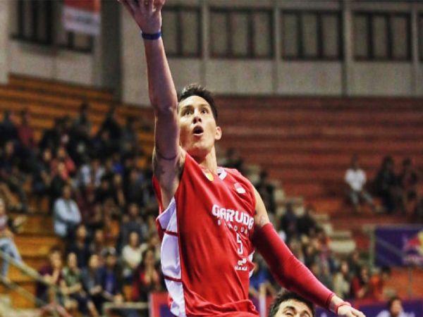 Ligaolahraga - Garuda Bandung yang ditangani oleh eks pelatih Timnas Basket Indonesia, Fictor Roring, memang menjadi tim yang sedang mengalami transisi musim ini. Karena tim Garuda diharapkan mampu melangkah sejauh mungkin pada musim ini.