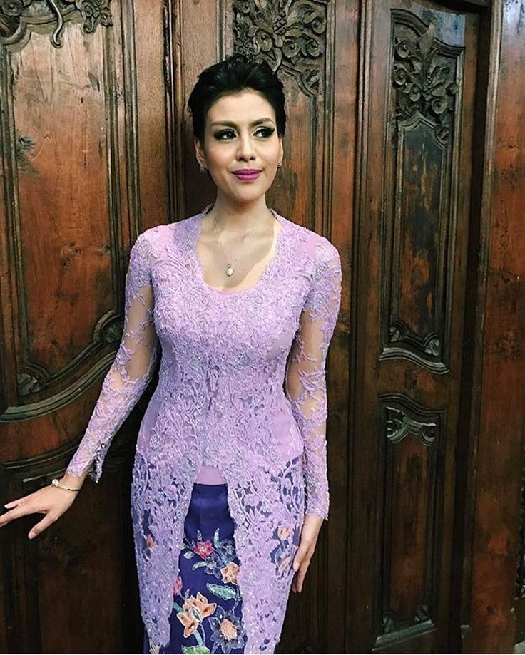 "3,350 Likes, 92 Comments - Vera Anggraini (@verakebaya) on Instagram: ""Fitting  #kebaya #akadnikah #batik #bride #weddingdress"""
