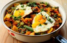 Duszone warzywa z jajem sadz L_03