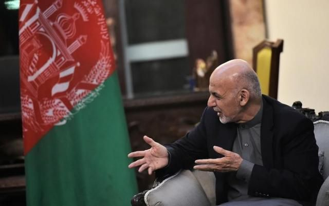 Afghan President Ashraf Ghani speaks during a meeting with US Vice President Mike Pence (not pictured) at the Presidential Palace in Kabul, Afghanistan on December 21, 2017.  REUTERS/Mandel Ngan/Pool