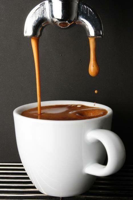 Το καλό espresso θέλει προσεχτική προετοιμασία. Στο Clemente VIII ο καφέ σας για εμάς είναι μία τελετουργία.
