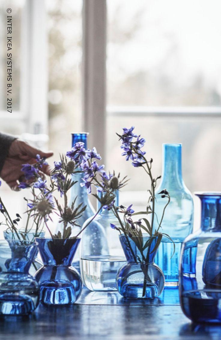 Geef je interieur een Scandinavische toets! Ga voor prachtige handgemaakte blauwe vazen voor je bloemen en geniet van een vleugje frisheid in huis. STOCKHOLM 2017 Theelichthouder/vaas, 4,99/st. #IKEABE #STOCKHOLM2017 Add a Scandinavian touch to your interior! Go for beautiful handmade blue vases for your flowers and enjoy some freshness at home! STOCKHOLM 2017 Tealight holder/vase, 4,99/pce. #IKEABE #STOCKHOLM2017