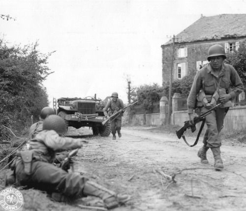 GIs of the 79th fighting in La Haye-du-Puits, June 1944