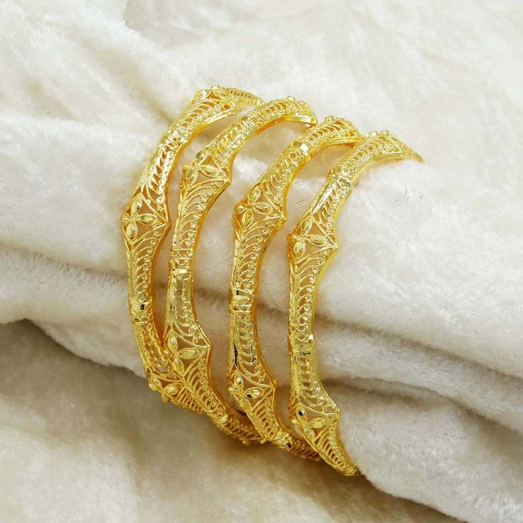 *4 Piece Bangles Set |  * Material: Alloy Coated with 18K Micron Gold Polish |  * Size: 2*8
