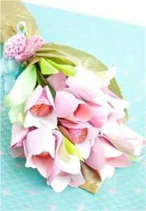 Enchanting Craft Inspiration For Mother's Day DIY Paper Flower Bouquet With Lots Of Flowers And Interesting With A Delicious Chocolate Candy