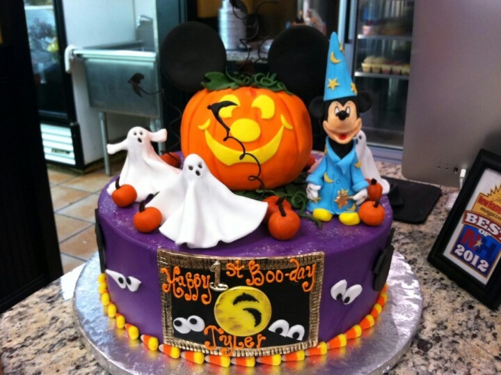 2125 best HalloweenFall Cakes images on Pinterest Halloween cakes