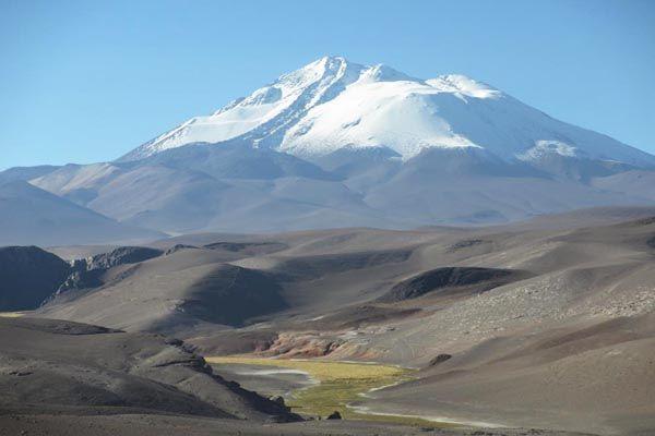 Volcán Llullaillaco, Región de Antofagasta. En lengua Aymara significa: 'Agua Caliente'.