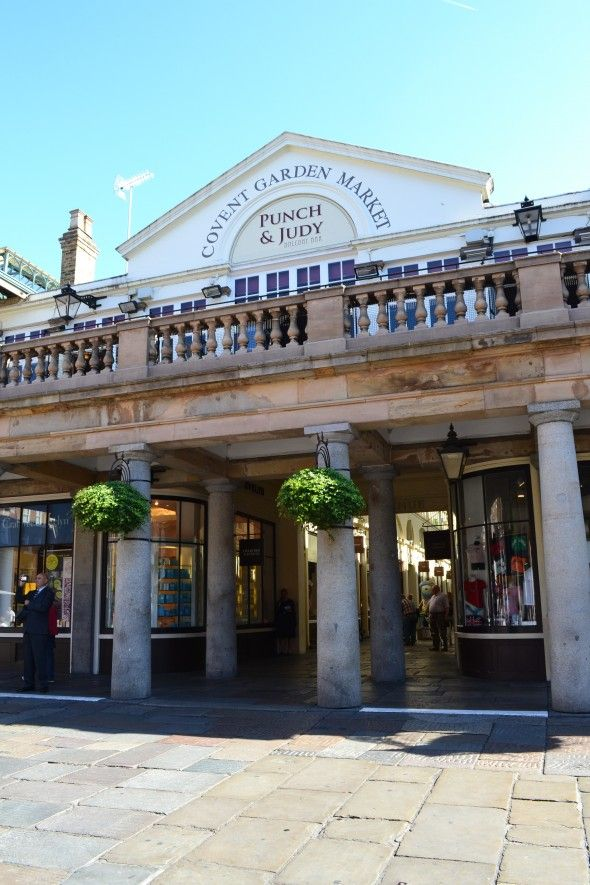 Covent Garden Market, London - I sat in this pub and had a drink!