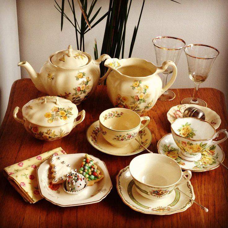 Piezas de servir té - Té, Chocolate y Café - Scoseria 2581 - Montevideo