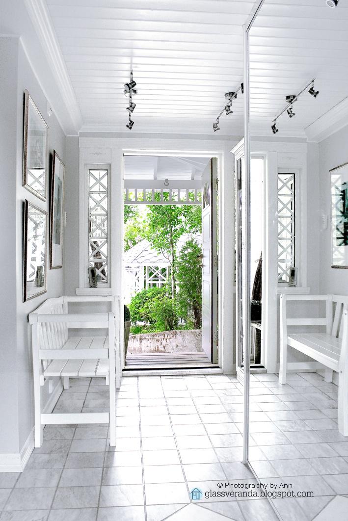 Our hallway / entrance hall! ;)) Styling and photography by Ann, Glassveranda. (http://glassveranda.blogspot.com/)
