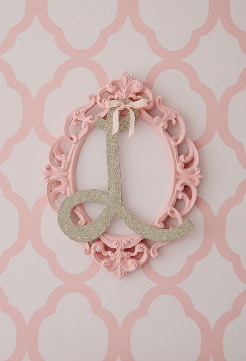 Layered frame and initial - sweet touch in this #biggirlroomCrafts Ideas, Aries Room, Girls Room, Projects Nurseries, Big Girl Rooms, Kids, Big Girls, Frames Initials, Ariella Big