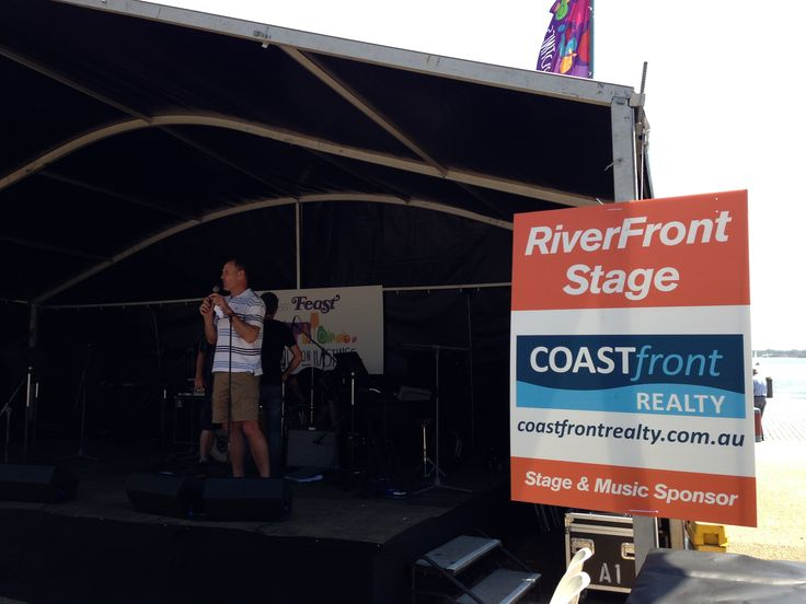 Coast Front Realty sponsored the entertainment programme at the SBS Tastings on Hastings.