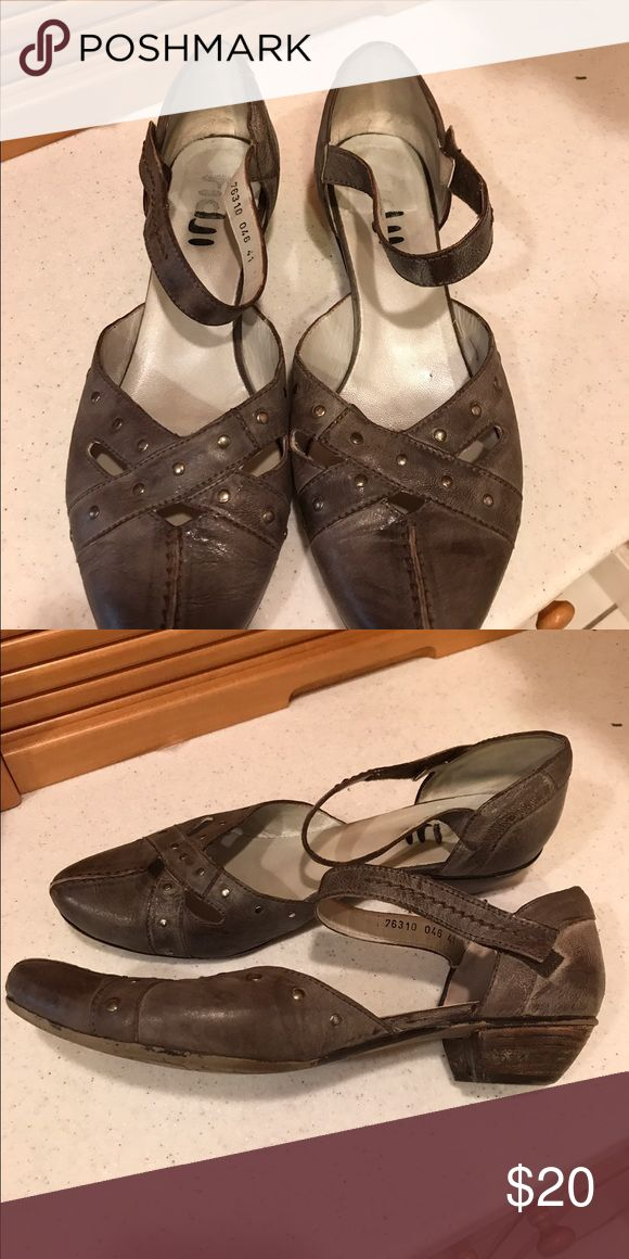 Fidji Leather shoes Very good condition. fidji Shoes Flats & Loafers