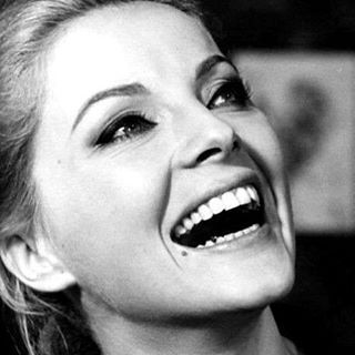 WEBSTA @ lesravageurs - Ravageuses laugh. | Virna Lisi #lesravageurs #ravageurs #gent #gentleman #gentlemen #manliness #lesravageuses #ravageuses #virnalisi #actress #actriz #actrice #attrice #actor #italian #italia #italy #laugh #laughing #laughter #rir #riso #ridere #rire