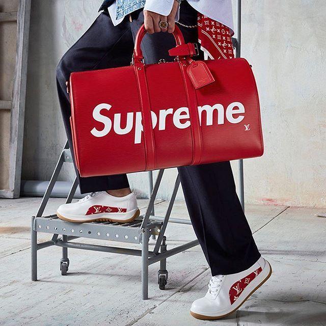 Avides dun luxe plus démocratique inspiré par la rue la pop culture ou encore le sportswear les nouvelles générations obligent les grandes maisons à se réinventer et à redoubler daudace. Comment le luxe drague les nouvelles générations à lire sur MagazineAntidote.com Texte : @MaximeRetailleau. Photo : @LouisVuitton. #LouisVuitton #Supreme #lvsupreme #Bag #shoes #Sneakers #Luxury #Millenials #Marketing via ANTIDOTE MAGAZINE OFFICIAL INSTAGRAM - Celebrity  Fashion  Haute Couture  Advertising…