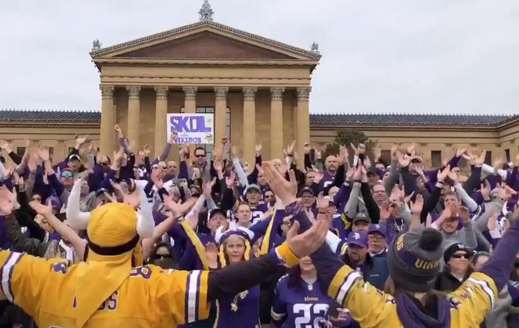 Vikings fans take to Rocky steps for 'Skol' chant ahead of NFC title game in Philly