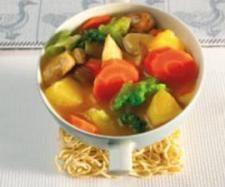 Curryhähnchen süß-sauer 1 Liter gesalzenes Wasser, Reis direkt im Garkörbchen mitgaren. Lecker!!!!