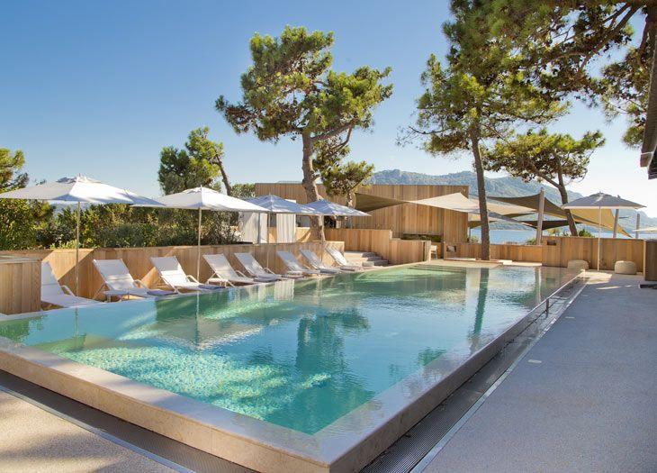 Swimming pool at la plage casa del mar corsica boutique for Boutique hotels corsica