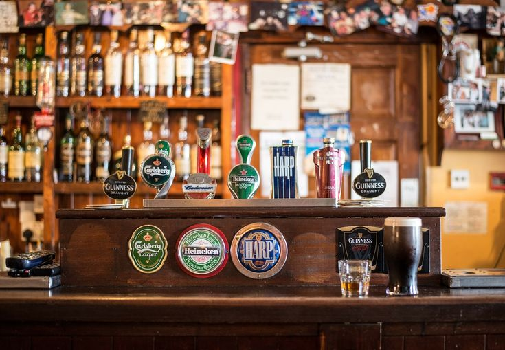 The 10 Best Bars Near LA's Westwood Neighborhood