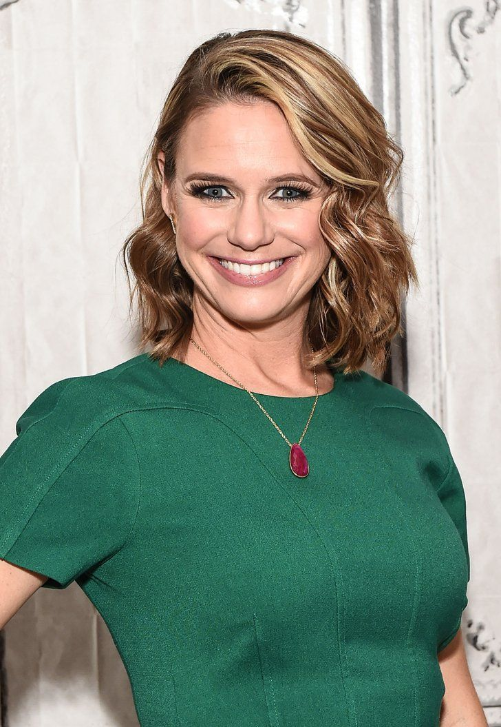 16 Key People (Plus 1 Band) Who Are Confirmed For Fuller House Season 2 Andrea Barber as Kimmy Gibbler