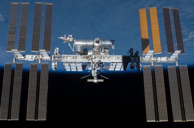 La Estación Espacial Internacional despliega un pequeño prototipo de ascensor espacial En la imagen del día seleccionada por la NASA, la agencia espacial ha anunciado el reciente despliegue de un satélite japonés llamado STARS-C (de �... http://sientemendoza.com/2017/01/03/la-estacion-espacial-internacional-despliega-un-pequeno-prototipo-de-ascensor-espacial/