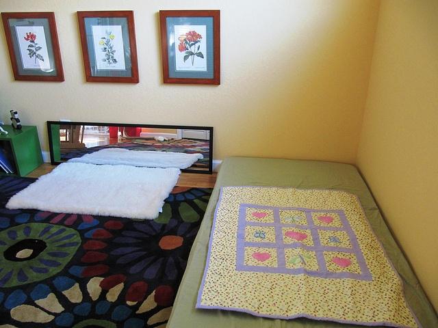 Montessori Floor Bed Quot Movement Mat Quot And Mirror