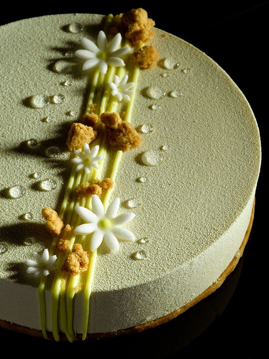 Chloe - Yuzu cremeux, white chocolate vanilla mousse, light sponge cake, almond sablé