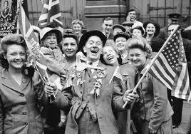 festejando  muy felices por que ya avía acabado la primera guerra mundial