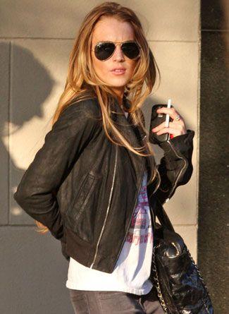 Lindsay Lohan and electronic cigarette